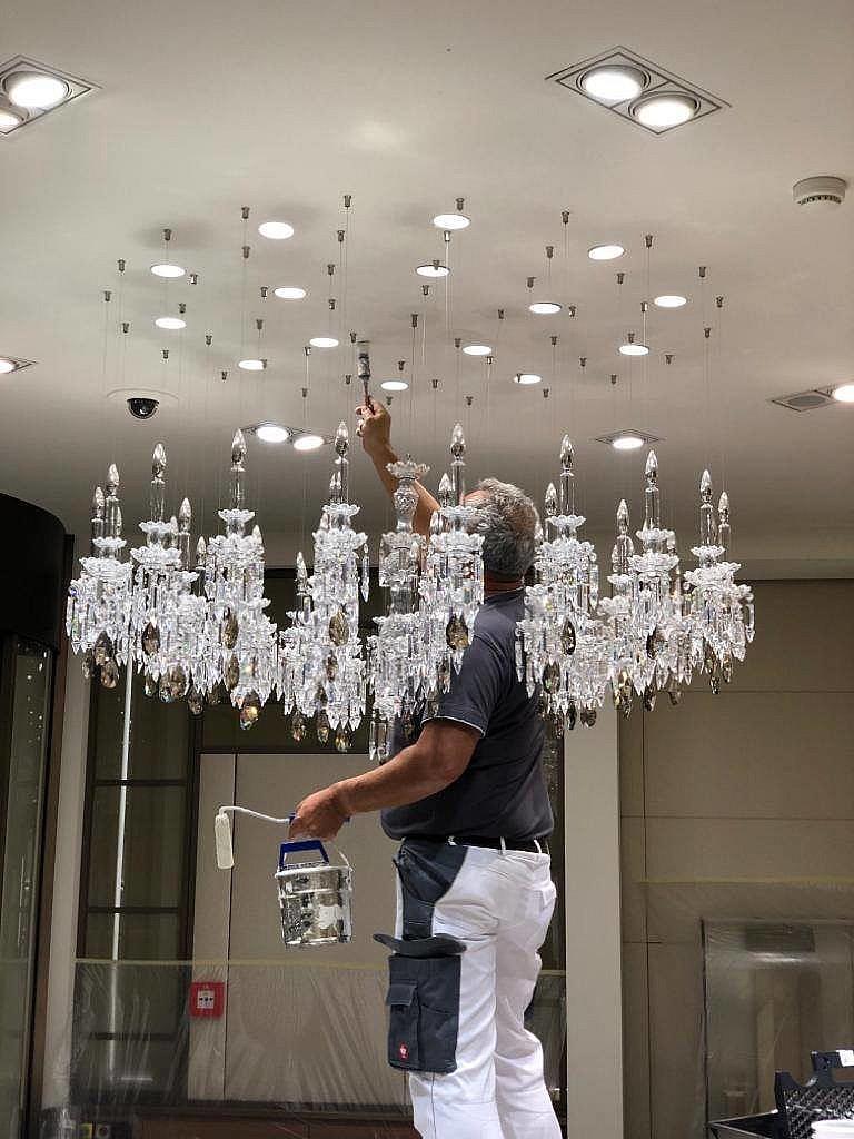 Plafond schilderen bij j Cartier